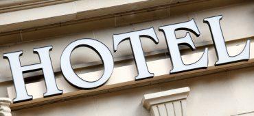 چگونه با مدیریت هتل به مهمانان حس خوب القا کنیم؟